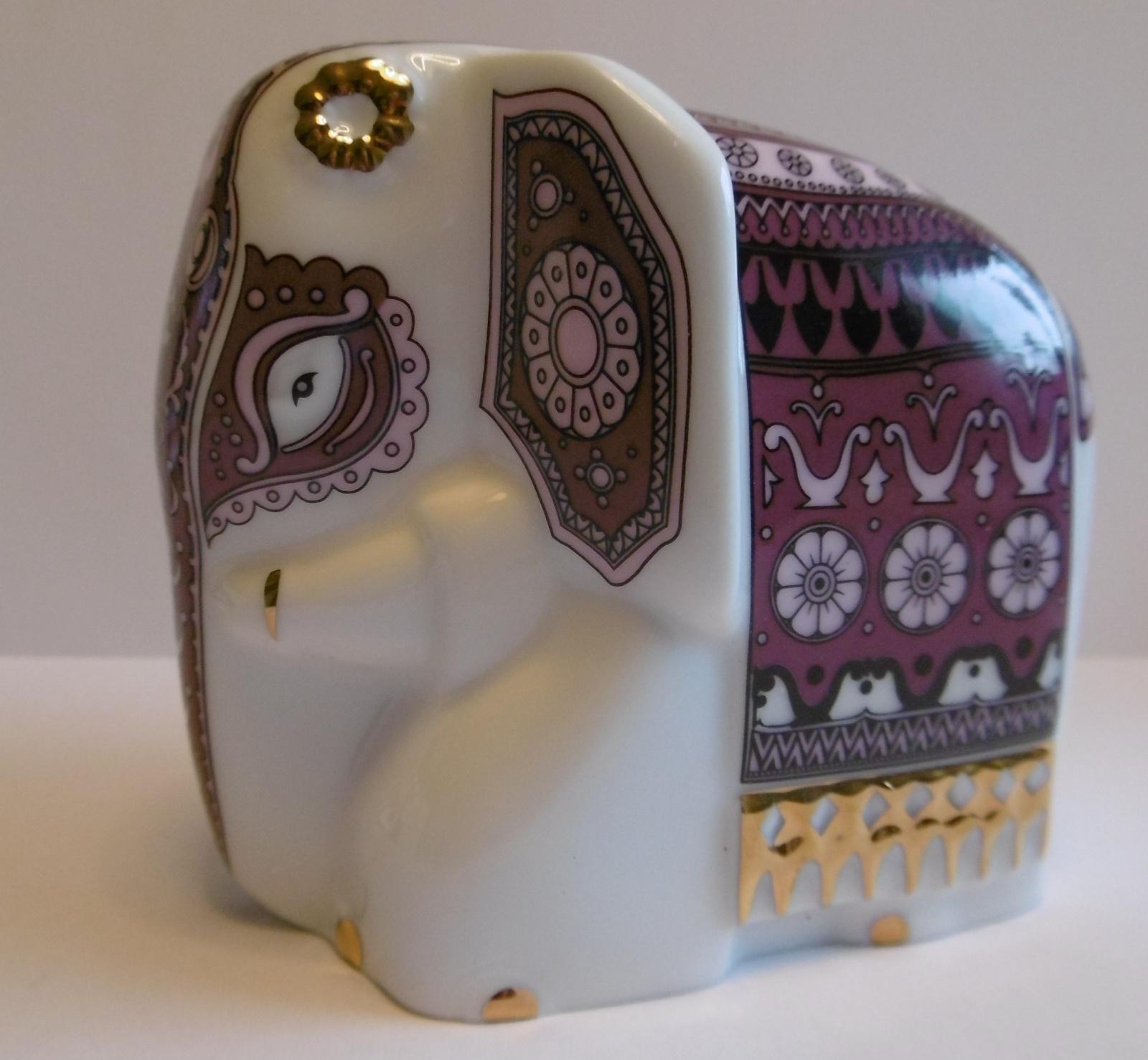 Slon fialový